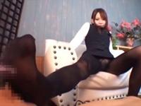 【星咲なな子】黒パンストOLがつま先舐めさせて足コキ抜き