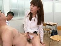風紀を乱している迷惑な生徒を尻コキや騎乗位で懲らしめる痴女教師!吉沢明歩