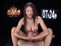 【小早川怜子】巨乳スケベお姉さんが卑猥な言葉を浴びせながら手コキで射精させる