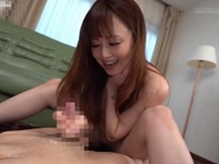 吉沢明歩 シェアハウスに住む若い同居人を騎乗位SEXで犯しちゃう淫乱美痴女!
