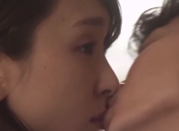 【新垣結衣】キス顔を公開したラブシーン