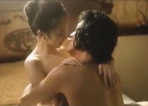 【小宮有紗】密着できる体位で勢いよく腰を動かした濡れ場