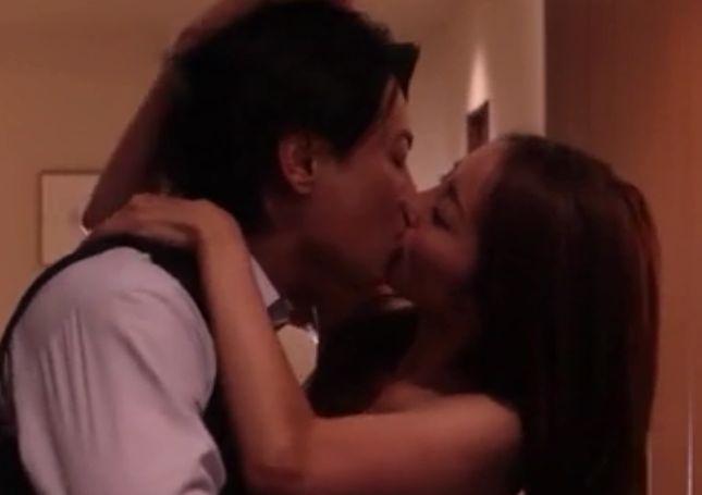 【熊切あさ美】お互い正面に向き合ってキスをした濡れ場