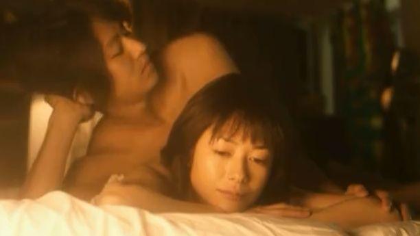【真木よう子】裸でぎゅっと抱き合った濡れ場