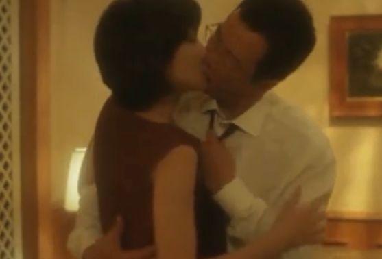 【南果歩】キスをしながら洋服を脱がせにかかる濡れ場