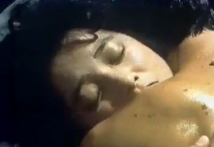 【宮崎美子】汗ばんだ肌を見せつけてくれる濡れ場