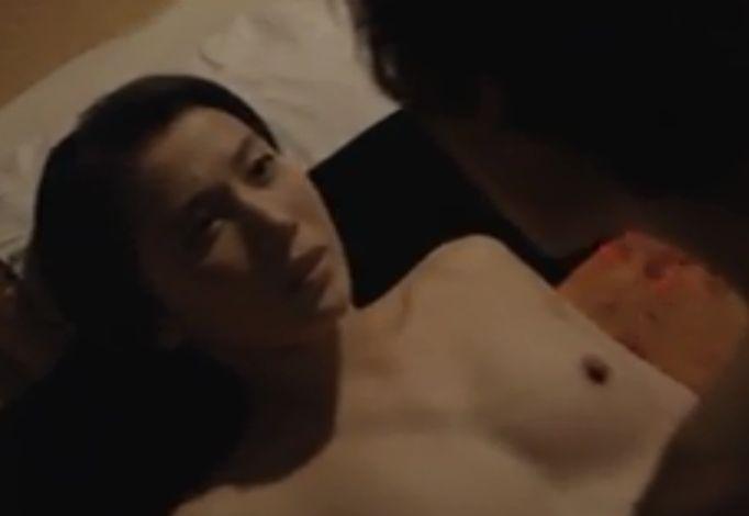 【村川絵梨】旅館で脱がされて美乳を晒した濡れ場