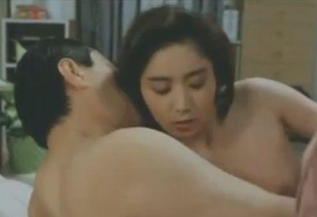 【沖直未】乳首を執拗にこねくり回す濡れ場