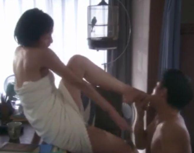 【野村恵里】足の指の間まで舐め尽くされる濡れ場