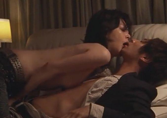 【佐々木ユメカ】男の性感帯を愛撫し始める濡れ場