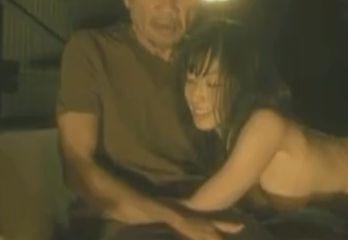 【佐藤寛子】パンツをずり下ろす濡れ場