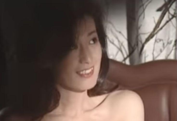 【佐藤友美】綺麗な体を相手に見せたラブシーン