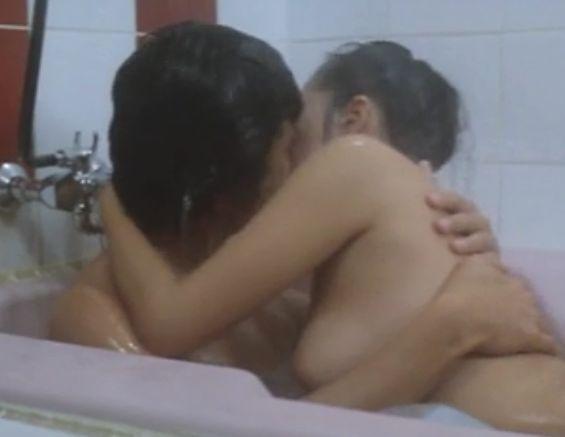 【沢田和美】浴室で巨乳を押し付ける濡れ場