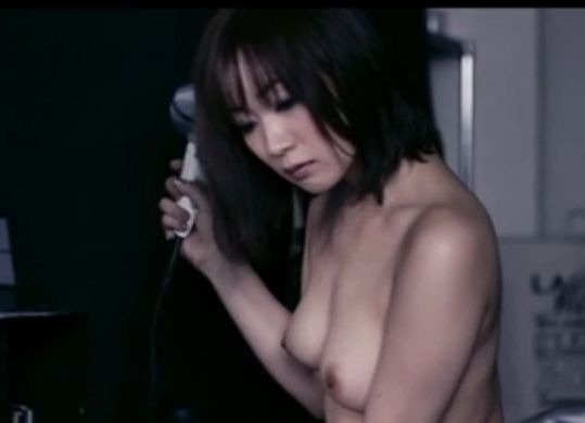 【階戸瑠李】美乳をさらしてくれる濡れ場