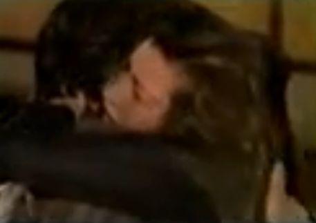 【多岐川裕美】お互いの唇をくっつけ合うキスをした濡れ場