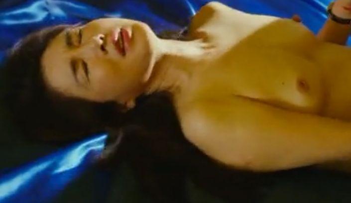 【筒井真理子】魅惑的な裸身を晒してくれた濡れ場