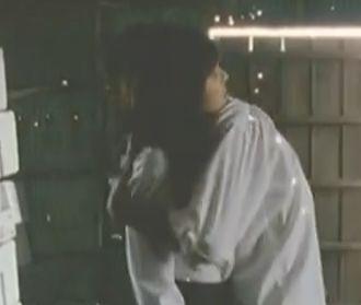 【我妻三輪子】胸元のボタンをどんどん外された濡れ場