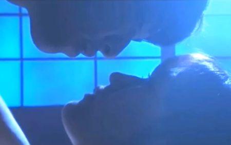 【渡辺麻友】緊張気味にキスを交わす濡れ場