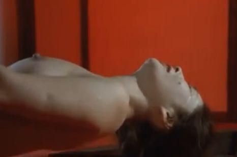 【香山美子】乳首にむしゃぶりついた濡れ場