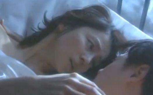 【石田ゆり子】柔らかな肌の感触を堪能した濡れ場