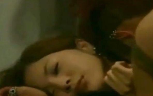 【吉高由里子】乳輪を舌で円を描くようにゆっくり舐める濡れ場