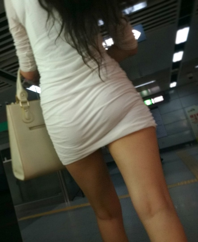 tight_skirt81120001.jpg