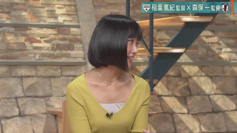 竹内由恵さんおっぱいを寄せてえちえちなポーズに 報ステ 181011
