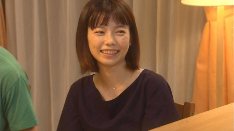 島崎遥香さんブラの肩紐が見える 主婦カツ #1