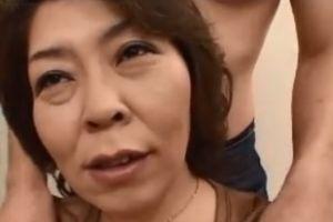 50代熟女の乳揉みおまんこハメる無料熟女サンプル動画