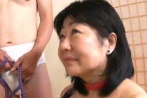 50代人妻とSMSEXでオーガズム味わってもらう無料人妻の性ムービー