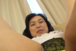 【無修正】50代熟女は2年ぶりのオメコでイキ狂う無修正豊満熟女セックス動画