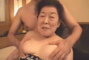 70代くそババアが死にそうになりながら喘ぐ無料高齢熟女性行為動画