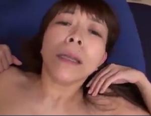 43才で四十路とは思えない美しい官能人妻の河瀬希美さんが恍惚の表情でomannko突かれて悦ぶpornonab.JAPAN人ビデオ東京