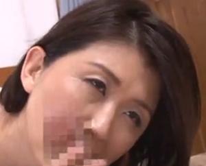 「おばさんのおまんちょに入れて欲しいの」甥にSEX懇願する熟年マダムを演じた吉岡奈々子さんの女優濡れ場