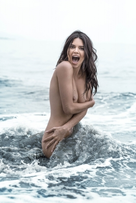 Kendall-Jenner-Nude-300911 (3)