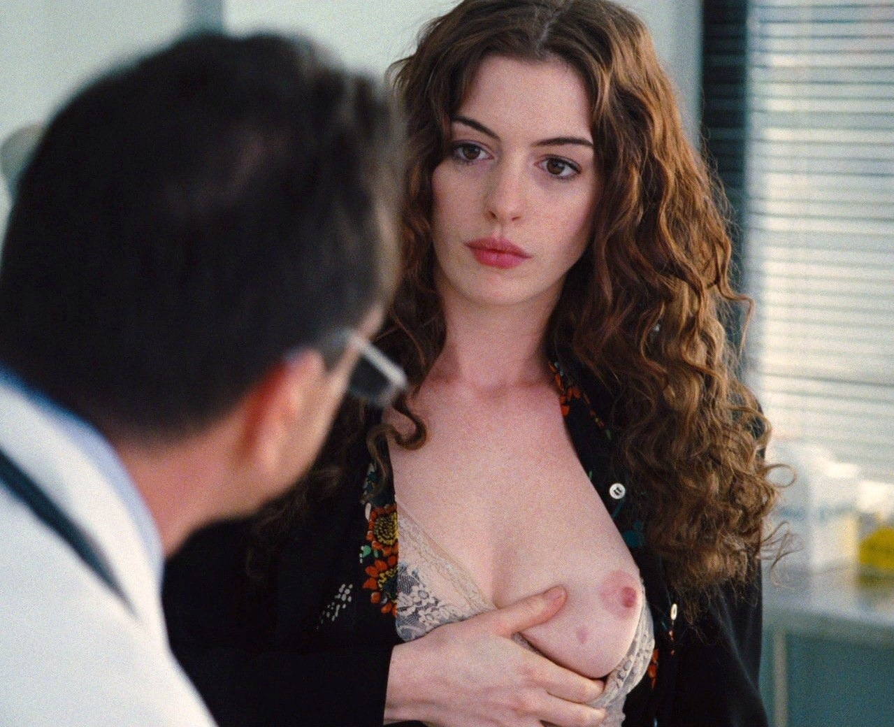 Anne hathaway nude paparazzi