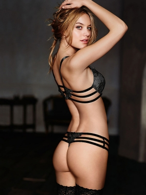 Camille-Rowe-291206 (1)