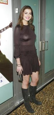 Anne Hathaway-300616 (3)