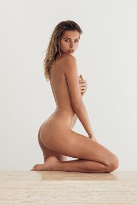 Sandra-Kubicka-nude-300711 (6)