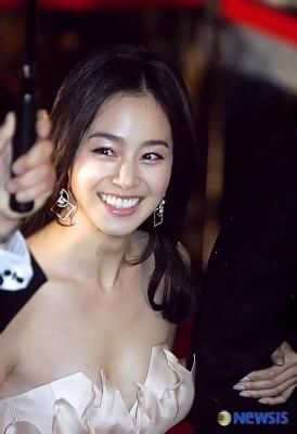 kim-tae-hee-300826 (11)