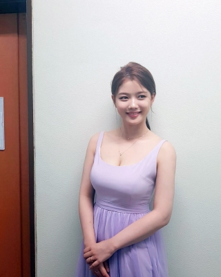 Kim-YooJung-300829 (3)