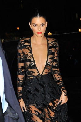 Kendall-Jenner-300913 (1)