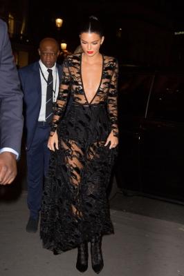 Kendall-Jenner-300913 (2)