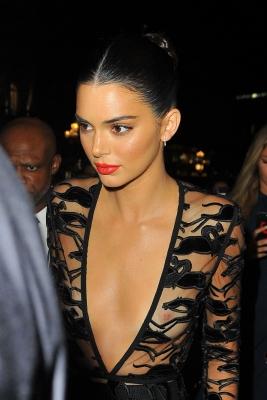 Kendall-Jenner-300913 (4)