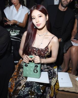 Suzy-011002 (11)