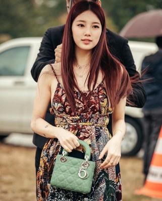 Suzy-011002 (29)