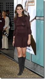 Anne Hathaway-020101 (3)