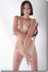 nude-300920 (1)
