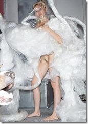 Miley Cyrus-301210 (1)