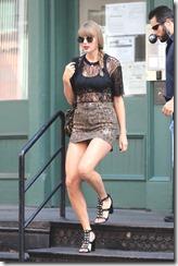 Taylor-Swift-300722 (1)